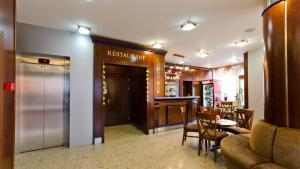 Nadejda Hotel, Hotels  Sofia - big - 42