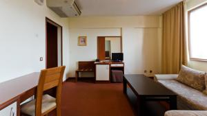 Nadejda Hotel, Hotels  Sofia - big - 13