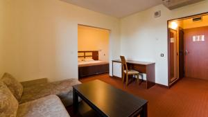 Nadejda Hotel, Hotels  Sofia - big - 17