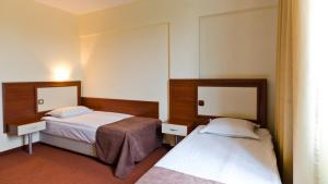 Nadejda Hotel, Hotels  Sofia - big - 26