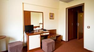 Nadejda Hotel, Hotels  Sofia - big - 29