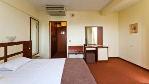 Nadejda Hotel, Hotels  Sofia - big - 31