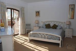 Villa Boutique Rentals - Algarve, Villen  Almancil - big - 3
