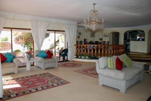 Villa Boutique Rentals - Algarve, Villen  Almancil - big - 9