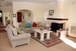 Villa Boutique Rentals - Algarve, Villen  Almancil - big - 14