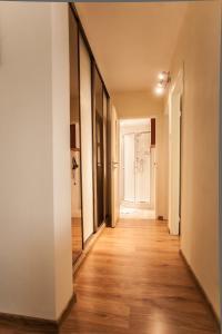 Apartamenty Varsovie Rondo ONZ, Ferienwohnungen  Warschau - big - 37