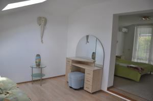 Villa Belaya Orhideya, Guest houses  Malorechenskoye - big - 80