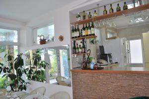 Villa Belaya Orhideya, Guest houses  Malorechenskoye - big - 3