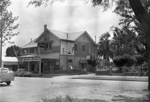 Palm and Pawn Tavern Motor Inn Bistro