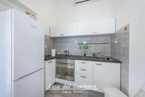 Apartment Casa del Capitano, Apartmány  Kaprije - big - 23