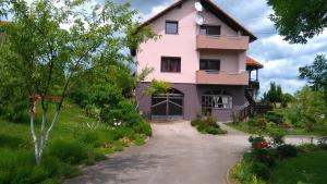 Apartments Tratincica