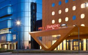 Отель Hampton by Hilton ExpoForum - фото 1