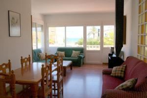 Three-Bedroom Apartment in Denia with Pool V