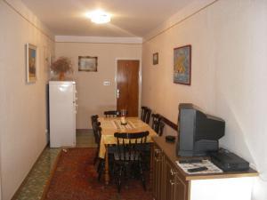 Apartment Slaven IR7669, Ferienwohnungen  Banjol - big - 3