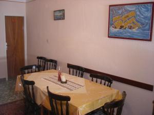 Apartment Slaven IR7669, Ferienwohnungen  Banjol - big - 4