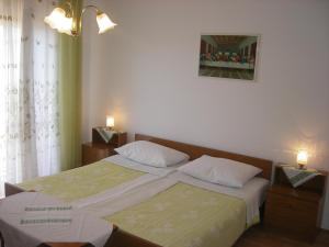 Apartment Slaven IR7669, Ferienwohnungen  Banjol - big - 7