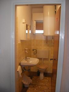 Apartment Slaven IR7669, Ferienwohnungen  Banjol - big - 9