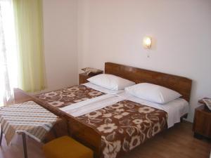 Apartment Slaven IR7669, Ferienwohnungen  Banjol - big - 11