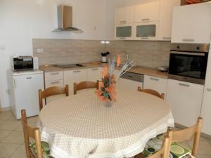 Apartment Slavica 2 IR7711, Апартаменты  Банёл - big - 5