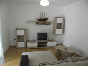 Apartment Slavica 2 IR7711, Апартаменты  Банёл - big - 8