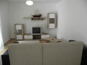 Apartment Slavica 2 IR7711, Апартаменты  Банёл - big - 12