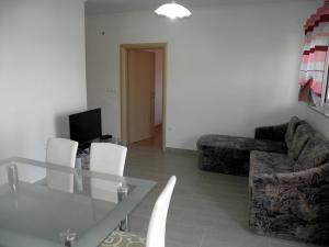 Apartment Slavica 1 IR7710, Apartmanok  Banjol - big - 2