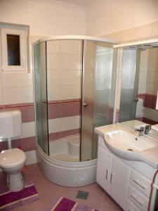 Apartment Slavica 1 IR7710, Appartamenti  Banjol - big - 9