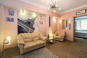 Hiltop Apartments Plushiha