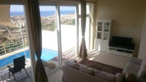 Blue Harbour B&B, Bed and breakfasts  Nadur - big - 13
