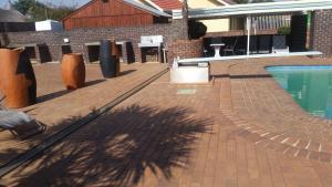 African Phoenix Guest Lodge, Affittacamere  Kempton Park - big - 75