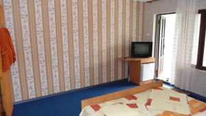 Guest House GorodOk, Bed and breakfasts  Chornomorskoe - big - 53