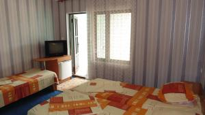 Guest House GorodOk, Bed and breakfasts  Chornomorskoe - big - 72