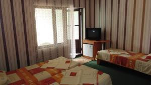 Guest House GorodOk, Bed and breakfasts  Chornomorskoe - big - 77