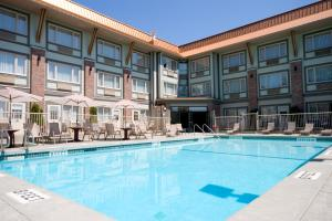 Howard Johnson Hotel & Suites Victoria, Hotely  Victoria - big - 31