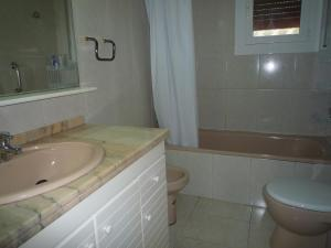 Villa service Casa Nirvino, Дома для отпуска  Калафелл - big - 21