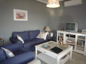 Villa service Casa Nirvino, Дома для отпуска  Калафелл - big - 13