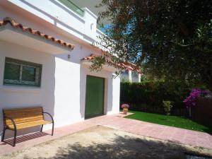 Villa service Casa Nirvino, Дома для отпуска  Калафелл - big - 3