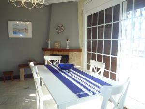 Villa service Casa Nirvino, Case vacanze  Calafell - big - 16