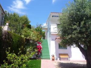 Villa service Casa Nirvino, Дома для отпуска  Калафелл - big - 6