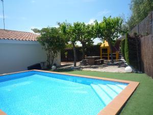Villa service Casa Nirvino, Дома для отпуска  Калафелл - big - 9