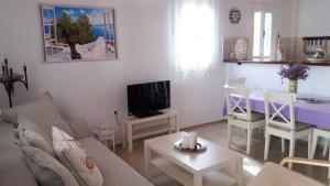 Marilu's Garden House, Апартаменты  Панормос-Миконос - big - 16
