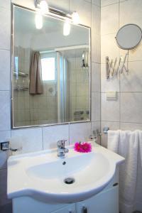 Orizzonte Apartments Lefkada, Apartments  Lefkada Town - big - 19