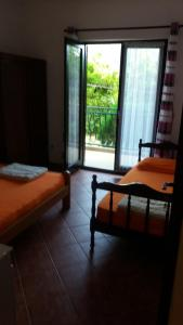 Apartments Milan, Affittacamere  Herceg-Novi - big - 6