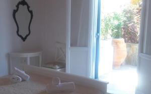 Marilu's Garden House, Апартаменты  Панормос-Миконос - big - 2