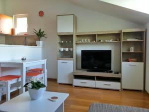 Apartments Liana, Apartmány  Sobra - big - 50