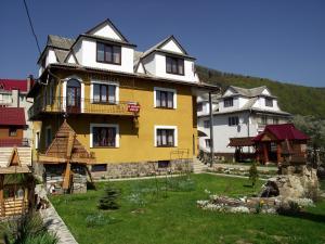Guest House U Myrona