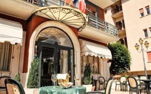 Prenota Hotel Siviglia