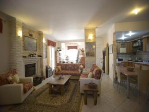 Nikitas-Agapi House