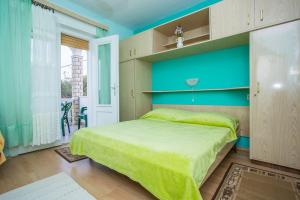 Apartments Pende 2878, Apartmány  Banjol - big - 12