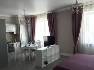 Apartment Cherkasskaya 105